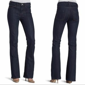 *CALVIN KLEIN JEANS* Shape Bootcut Jeans